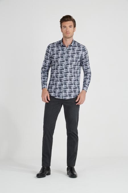 Chemise à motifs géométriques